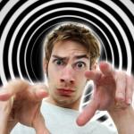 Hypnotic Writing, Menghipnotis Pembaca Melalui Teknik Penulisan yang Persuasif