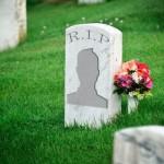Apa Yang Terjadi Pada Akun Media Sosial Jika Penggunanya Meninggal?
