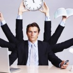 Jadi Karyawan Plus Freelancer Secara Bersamaan? Simak Tipsnya Berikut Ini