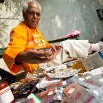 Omkar Nath Sharma ~ Kakek 79 Tahun Pahlawan Warga Miskin di India