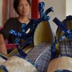 Sempat DikiraOrang Gila,Kini Bisnis Sepatu Pelepah Pisang Wanita Ini MampuTembus Pasar Intenasional