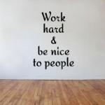 Cara Ini Akan Membuat Anda Memiliki Banyak Teman Di Lingkungan Kerja