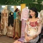 Asri Welas ~ Tak Hanya Jadi Artis Tapi Juga Sukses Berbisnis Butik