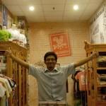 Kuncarsono Prasetyo ~ Pendiri Sawoong yang Sukses Jalankan Bisnis Cinderamata Surabaya Tempo Dulu