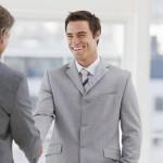 6 Tips Bersikap Kepada Teman Yang Sekarang Jadi Bos Anda