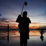 Ingin Berfoto Selfie Saat Gerhana Matahari Total? Kenali 5 Tips Amannya Berikut Ini
