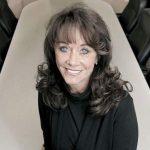 Tips Berbisnis Dari Diane Hendricks, Wanita Yang Sukses Menjadi Pengusaha Atap Rumah