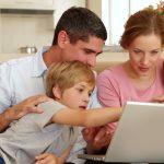 Mau Punya Laptop untuk Keluarga? Pastikan 5 Fitur Ini Ada Di Dalamnya