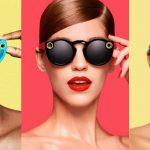 """Dari Tinder sampai LinkedIn, Jika Perusahaan Media Sosial Membuat """"Spectacle"""" Versi Mereka"""