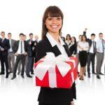 Ingin Memberi Hadiah Pada Atasan, Simak 5 Tips Melakukannya